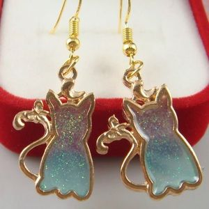 Jewelry - Cat earrings